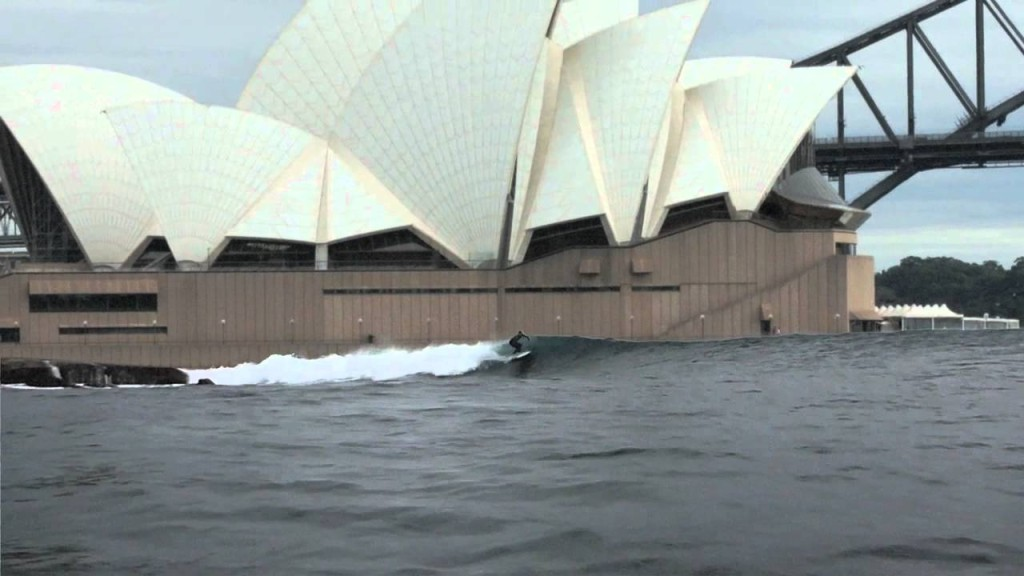 WWP surfs up harbour 1024x576 - Burst pipes and the #sydneystorm